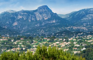 Where is Best to Live on the French Riviera?