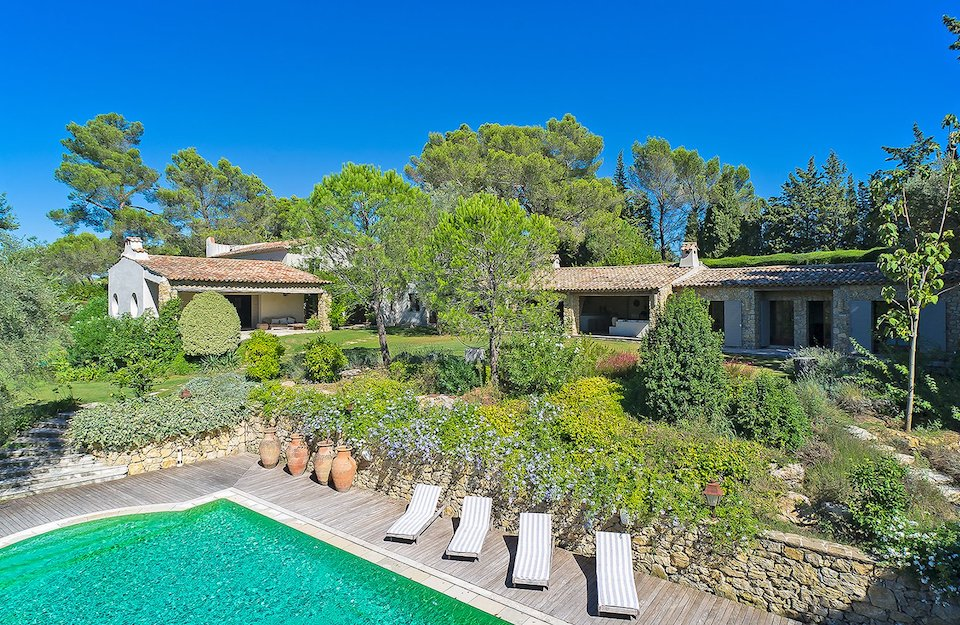 Luxury Holiday Villas with Tennis Courts French Riviera