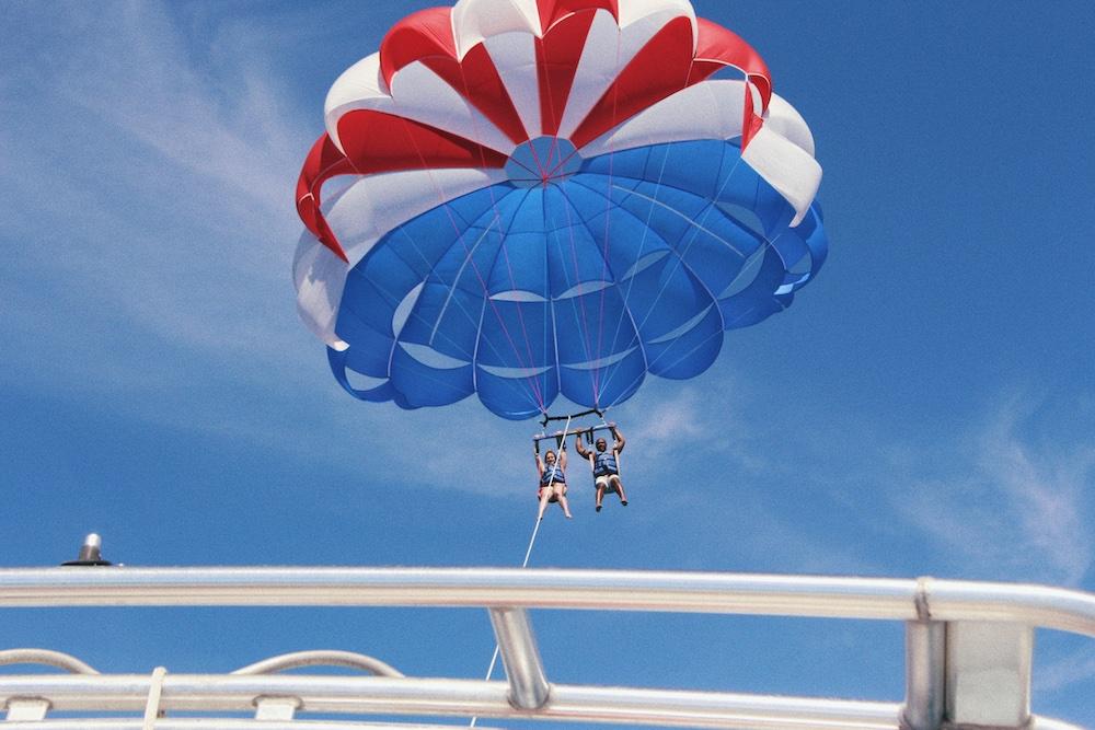 Parachute ascensionnel sur la Côte d'Azur