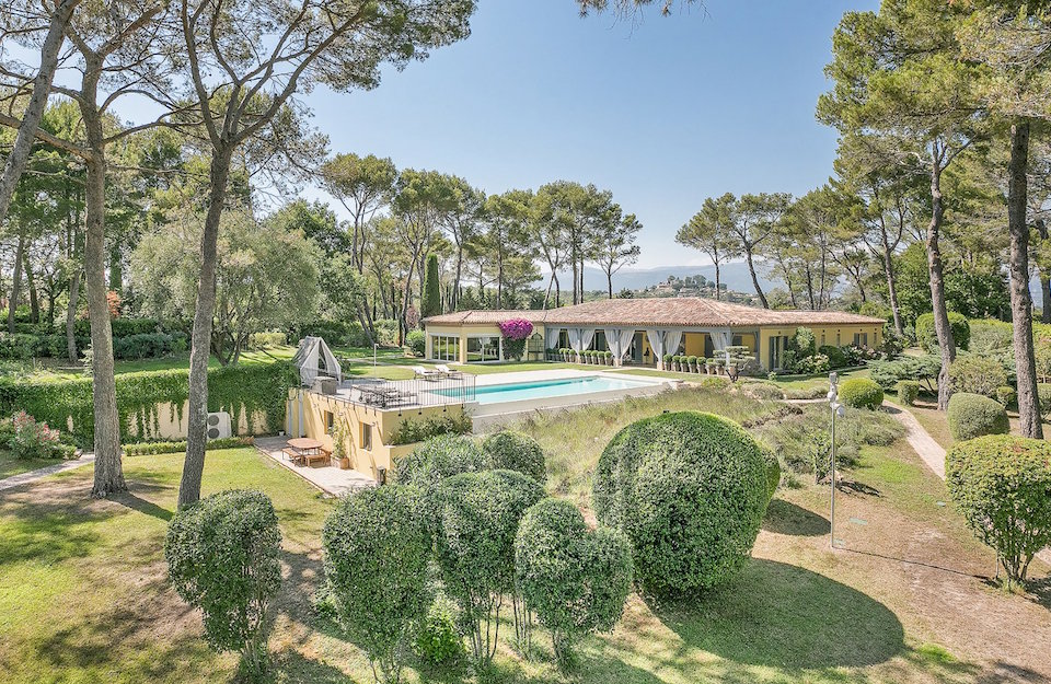 Sole Agency for Outstanding Mougins Villa For Sale