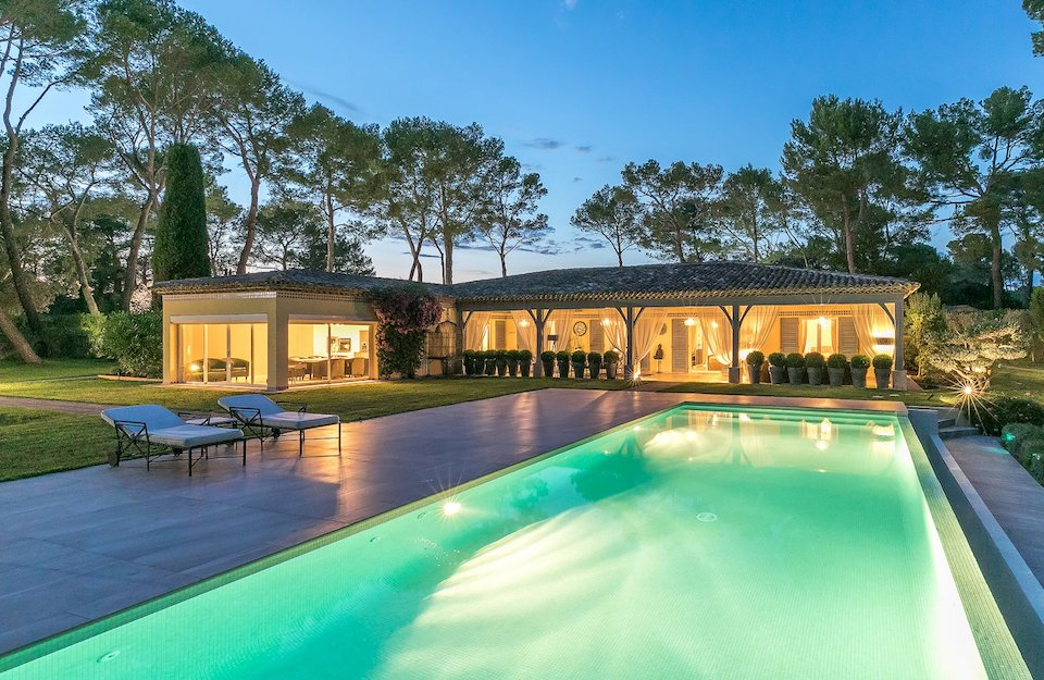 Swimming Pool at Mougins Villa For Sale