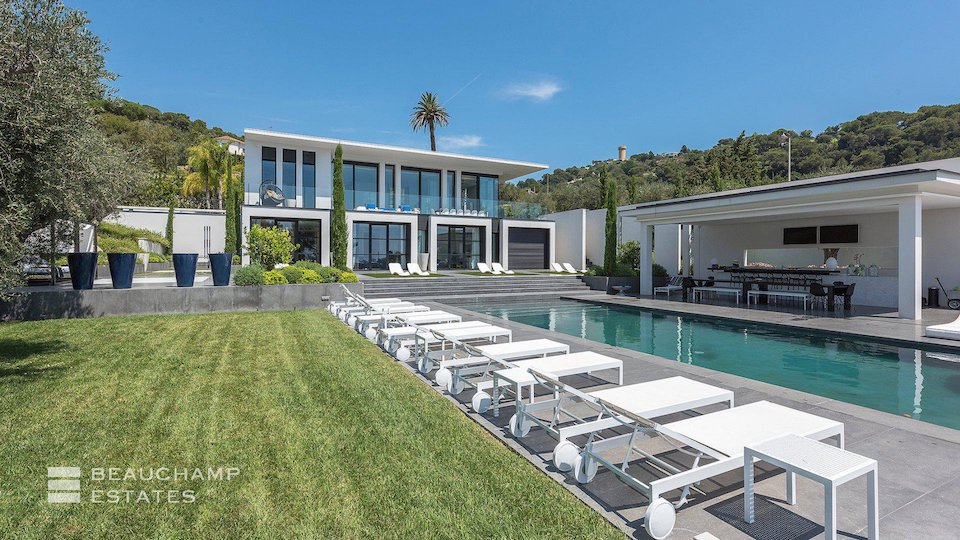 Cannes Villa with Private Swimming Pool