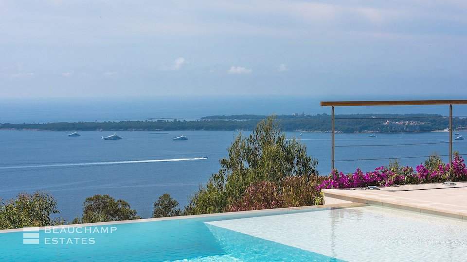 Private Pool in Villa Overlooking the Lerins Islands