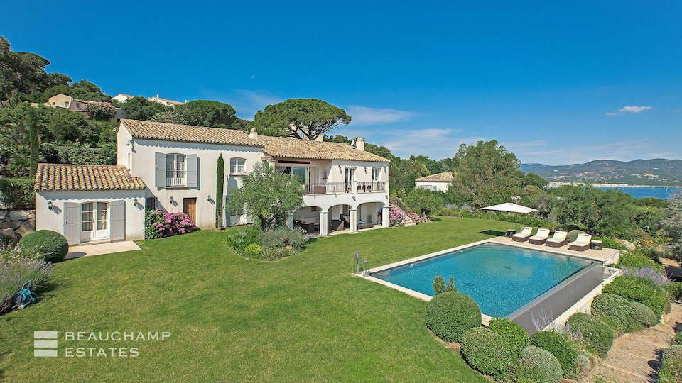 Villa With Private Swimming Pool in Gassin