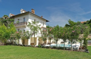 Exclusive to Beauchamp Estates: Beautiful Belle Epoque Villa in Cannes
