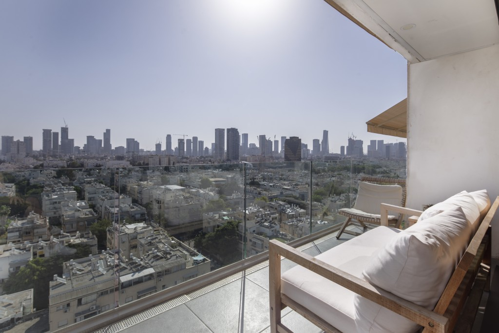 Basel Tower, Tel Aviv: 127 square metre (1,367 sqft) lateral apartment with 13 square metre (32 sqft) balcony overlooking the Tel Aviv skyline and the sea. Prestigious portered block with outdoor swimming pool, underground garage, fitness centre, and sauna. Centrally located in the lovely Old North neighbourhood, just minutes to Hilton Beach and Park HaYarkon. Priced at £2.4m