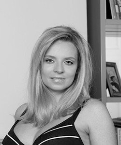Karolina Fiszbak-Moore
